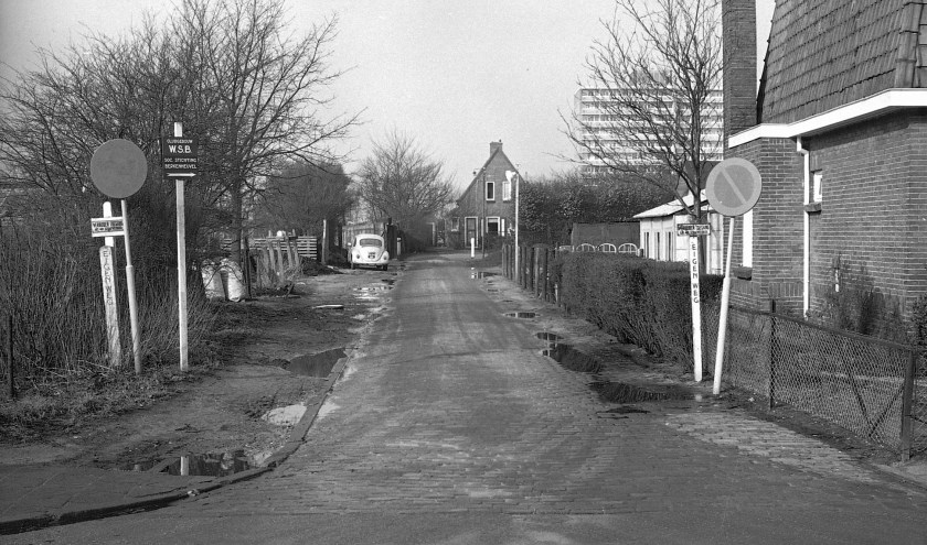 Het huis van de opzichter van de Gemeentewerf aan de Waterweg in De Bilt eind jaren zestig (foto Hist. Kring 'dOudeSchool)