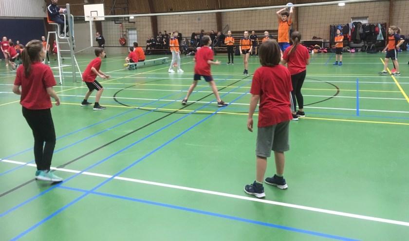 Coole moves tussen de groep 8 leerlingen.