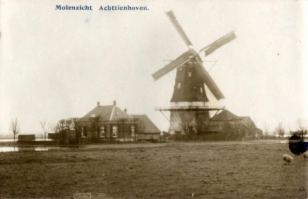 Molen de Kraai anno 1910. (foto Utrechts archief)  © De Vierklank
