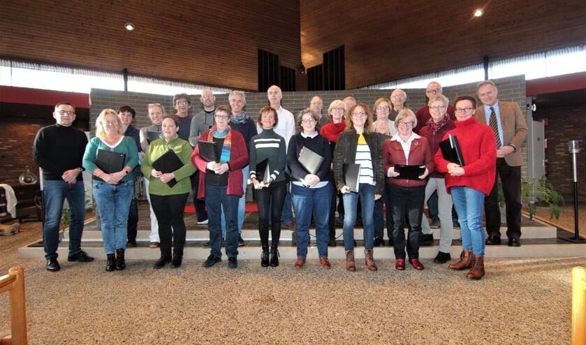 Zaterdag 11 januari repeteerde het koor nog een keer; links Peter Steijlen en rechts Leo Fijen.