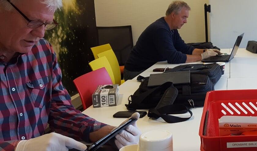 Bij het digitaal café wordt veilig en op afstand gewerkt.