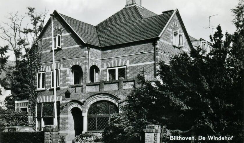 Het luxe verzorgingshuis 'De Windenhof'aan de Rembrandtlaan (Bilthoven) in 1957 (foto Hist. Kring 'dOudeSchool)
