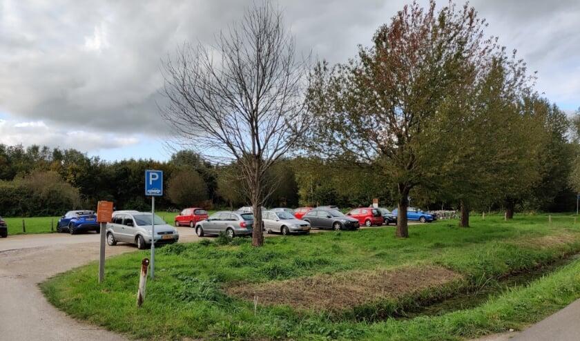 Het vertrekpunt van de Kazemattentocht is vanaf de druk bezochte parkeerplaats aan de St. Anthoniedijk in Utrecht, waar nog meer tochten hun vertrekpunt hebben.
