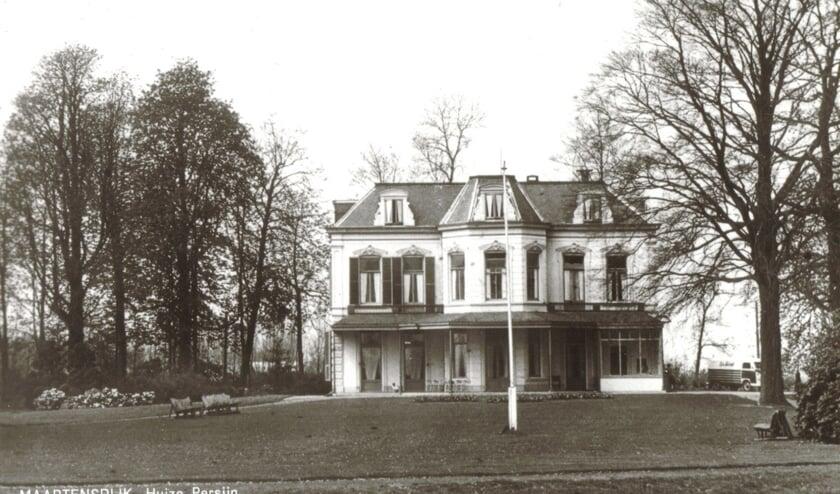 Een foto van huize Persijn uit 1976 uit de digitale verzameling van Rienk Miedema.