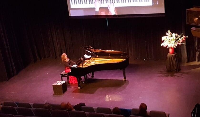Pianiste Ksenia Kouzmenko presenteert haar Tsjechische kerst-cd in Het Lichtruim.