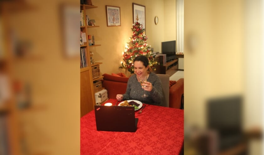 Met een video etentje valt het beeldscherm na 10 minuten al niet meer op.