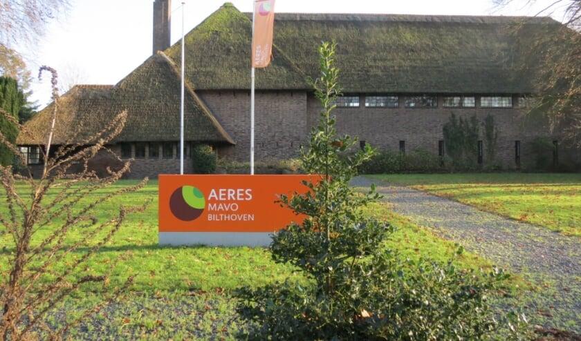 De school vanaf de Soestdijkseweg die per 1 augustus 2021 de deuren sluit.
