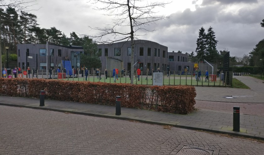 De nieuwe Theresiaschool (bouw 2008) had met de opbrengst van de oude school gefinancierd moeten worden.