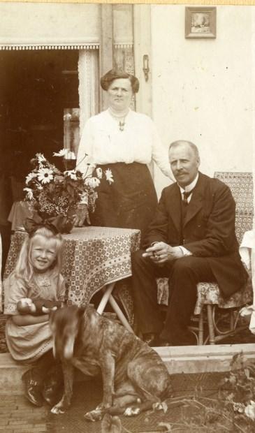 Zoeken naar voorouders wordt makkelijker dankzij gedigitaliseerde informatie. (RHC Vecht en Venen, ca. 1915