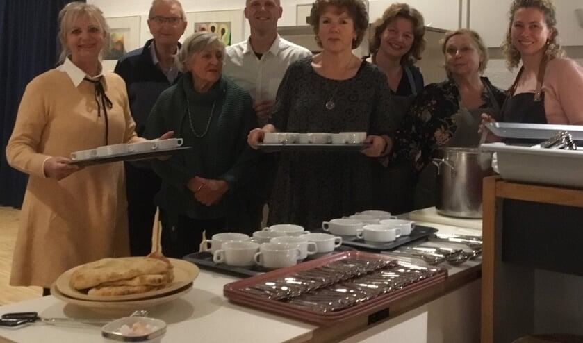 Vrijwilligers Mieneke, Dirk, Bertien, Henny, Elke, Brigitte, Marianne en Irene (v.l.n.r.).