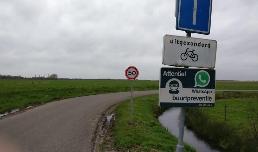 In het verlengde van de Korssesteeg zijn 6 nieuwe boerderijen gebouwd met ligstallen. Ook op dit gedeelte is de maximum snelheid 50 km..