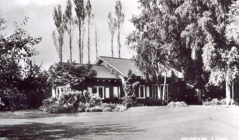 Kastanjelaan 1 ('t Eiland) uit 1965 te Groenekan. (uit de digitale verzameling van Rienk Miedema)
