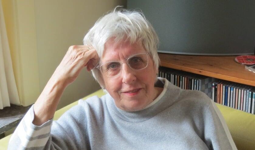 Edith van Arkel, auteur van 'Glinsteringen op de golven'.