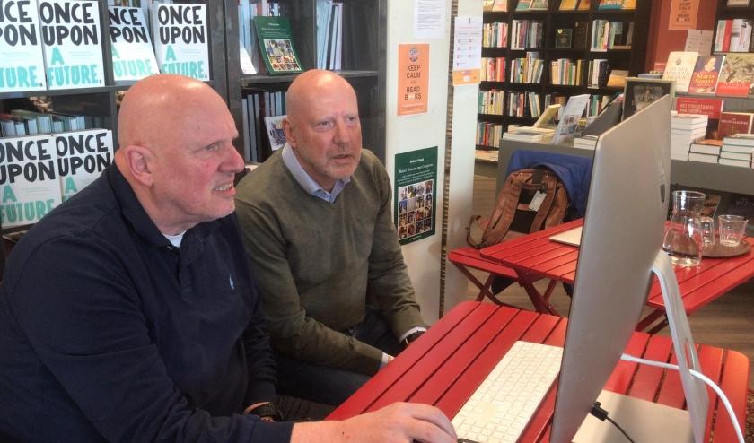 Ruud Veltenaar en Leen Zevenbergen verzorgden een online-boekpresentatie.