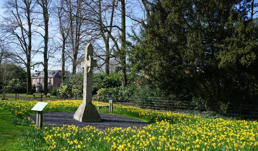 Hoogkruis, Bloemenzee, Boetzlaerpark, De Bilt, 900 jaar