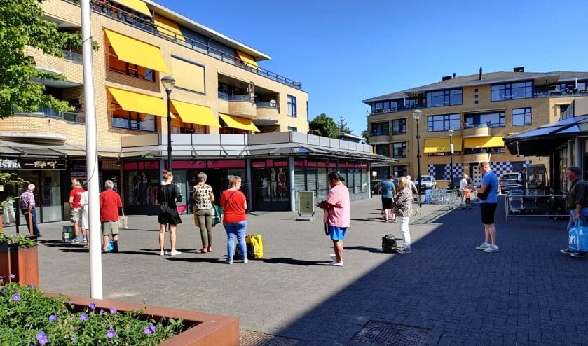 Ook op het Maertensplein kun je veilig in de rij staan.