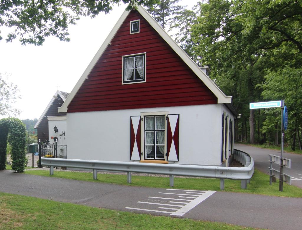 Het (tol-)huis nu aan de Vuurscheweg. Foto:  © De Vierklank