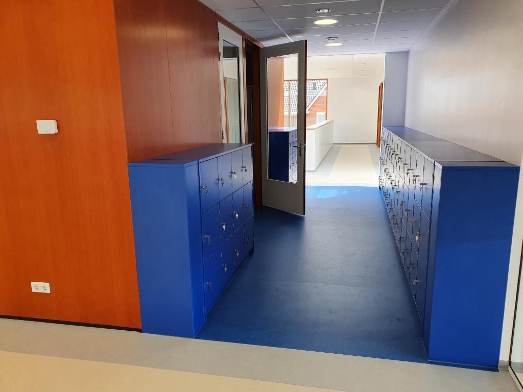 De lockers bevinden zich in een aparte ruimte. Foto:  © De Vierklank