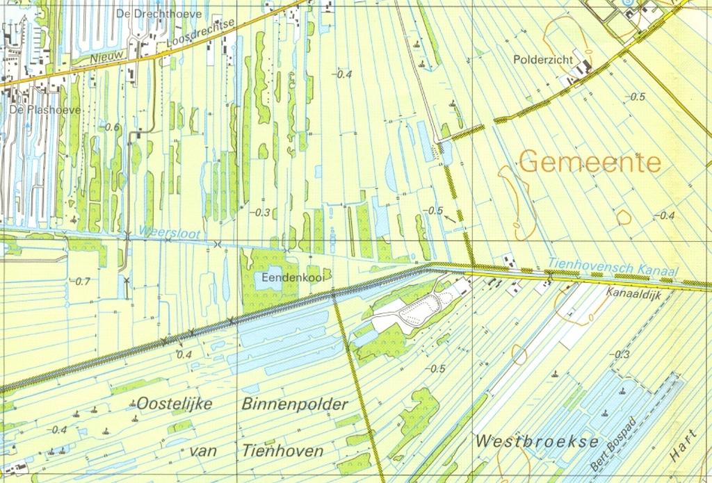 Fragment uit een topografische kaart, waarop de eendenkooi staat aangegeven.  Foto:  © De Vierklank