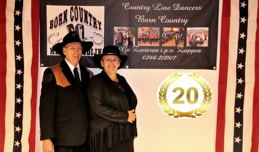 De Country Line Dance School van Jan en Jane Hendrikse bestaat 20 jaar