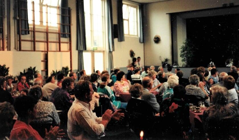 Feest in het Dorpshuis ooit een wekelijkse gebeurtenis. (foto Corrie van der Tol 1992)