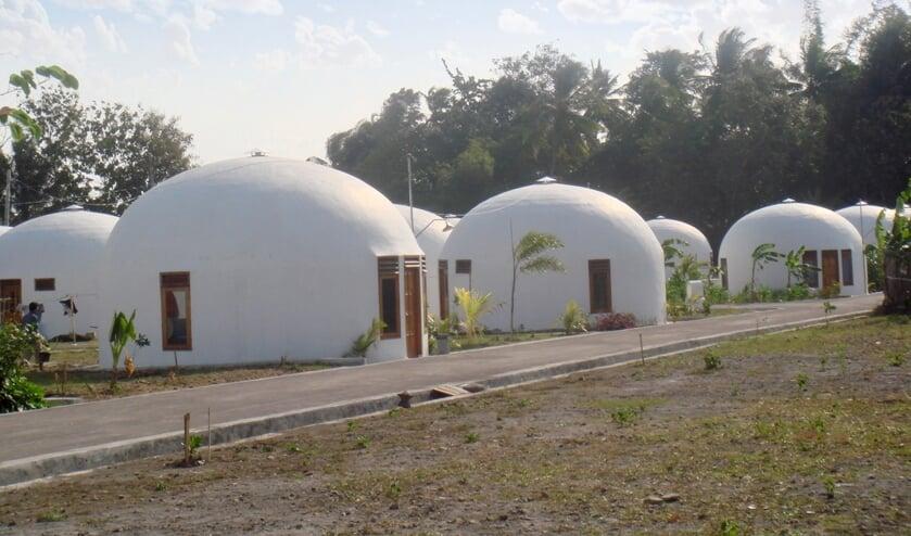Aardbevingsbestendige woningen op Midden-Java.