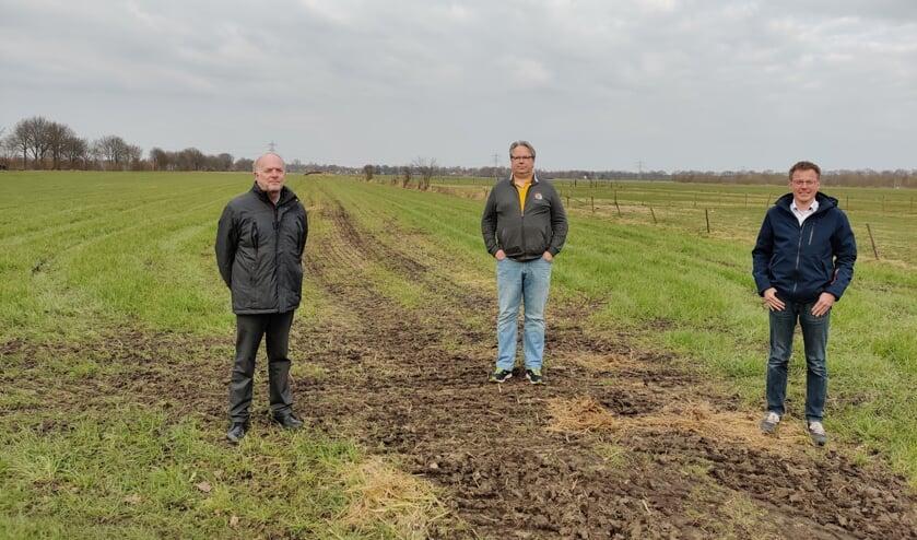 V.l.n.r. Peter Janssen (Stichting Behoud Prinsenlaantje en Ommelanden), Sander Maatman (Stichting Behoud Slagenlandschap Maartensdijk-Oost) en Frank Mulder (Bewonersvereniging Maartensdijk-Zuid).