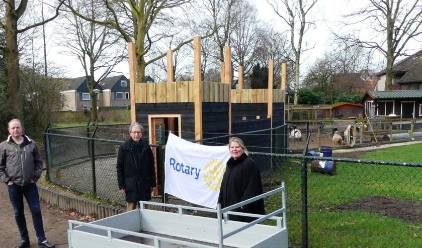 Dankzij een gulle gift van de Rotary De Bilt-Bilthoven kon de defecte aanhanger voor een mooie nieuwe vervangen worden.