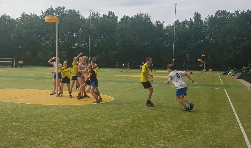 De jeugdteams van Nova spelen een kleine officiële competitie voor de zomer.