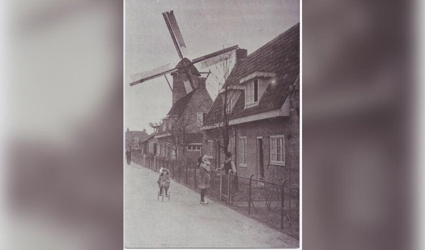 Een beeld van de Molen en weg in 1930. (archieffoto)