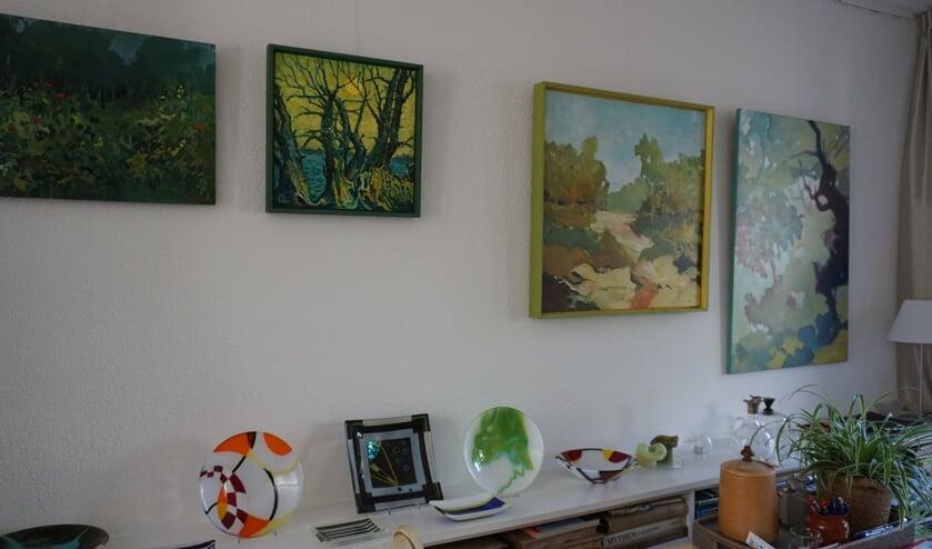 <p><em>Op de Groen van Prinstererweg 12 in De Bilt waren werken te zien van o.a. Paul Reeskamp (schilderijen) en Maarten Schildwacht (glaswerk).</em></p>