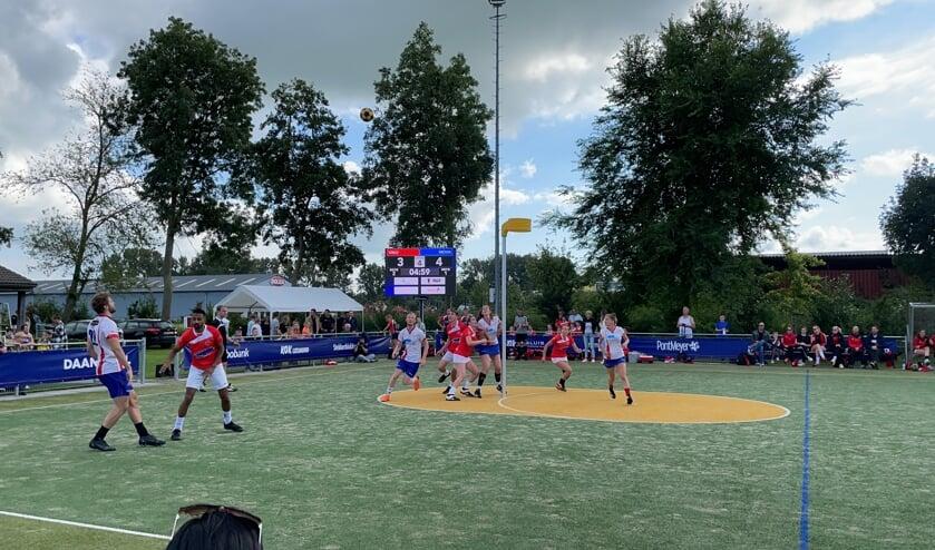 Tijdens de KorfbalTotaal Regio Cup werd er een nieuwe wedstrijdvorm geprobeerd. (foto Cisca Pluim)