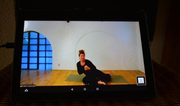 Andra Slot geeft online Pilates lessen.