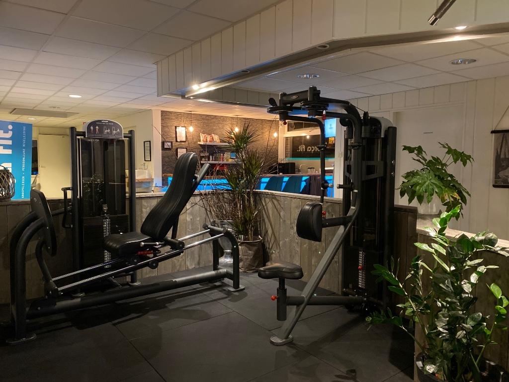 De onlangs vernieuwde fitnessruimte ligt er nu verlaten bij   Eigen foto © De Veluwe Koerier