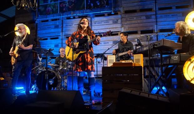 Lana Wolf tijdens een eerder optreden bij Fruittuin Verbeek.