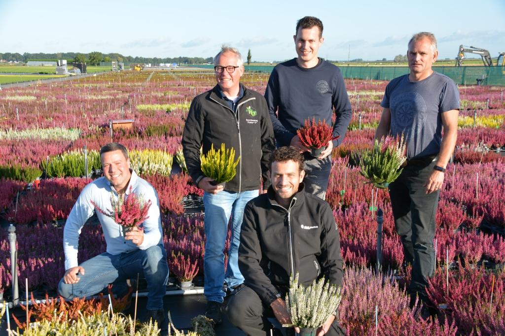 Het team van Boomkwekerij Hoekert.         Cor Sellis                              © De Veluwe Koerier