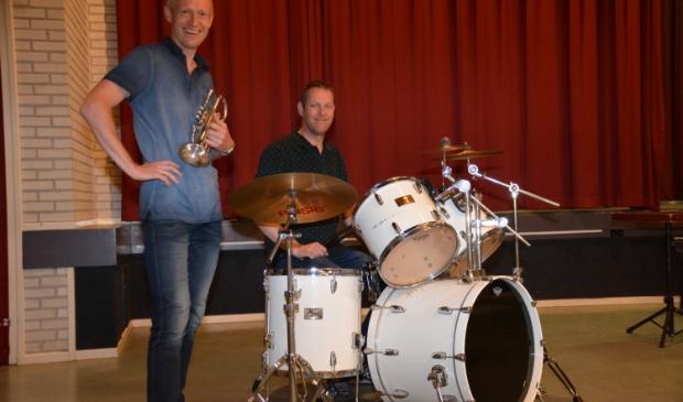 <p>&nbsp;Wilbert van de Weg (met cornet) en Wiechert Steert (achter de drums).&nbsp;</p>
