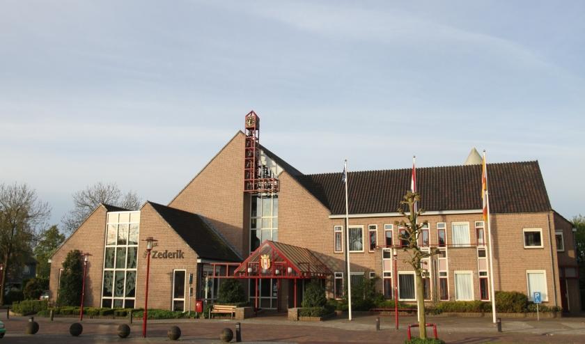 • Het voormalige gemeentehuis van Zederik is één van de drie huidige werklocaties.