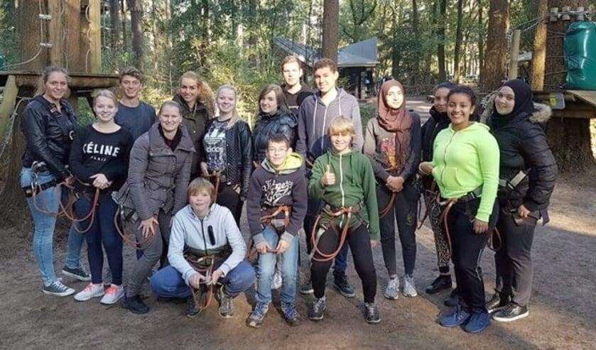 Een groep jonge mantelzorgers mocht zich uitleven in het Klimbos. FOTO: Dominique Korver