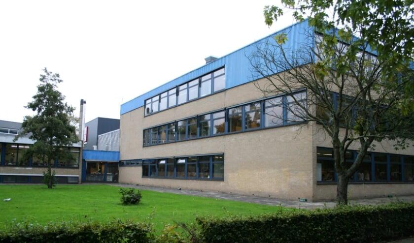 <p>• Het Willem de Zwijger College. Foto: Bert Bons</p>