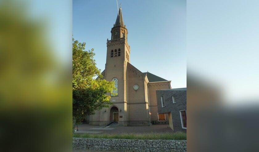 <p>&bull; De Grote Kerk aan het Cortgene.</p>