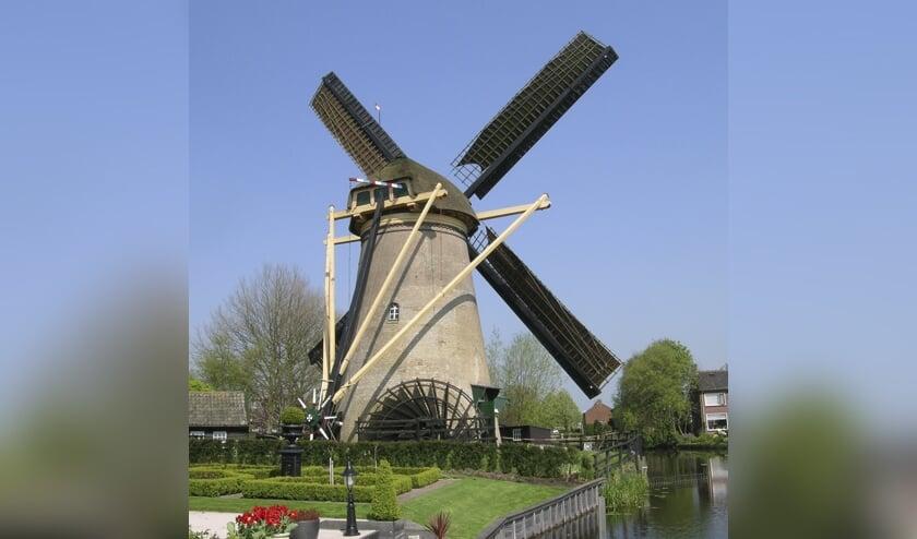 • De Kerkmolen in Molenaarsgraaf.