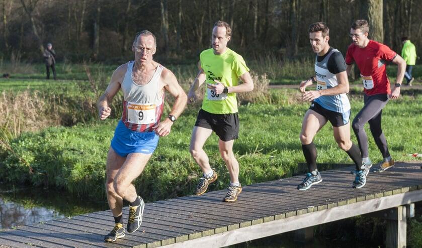 • Arie Visser (l) tijdens de Loetcross eerder dit jaar.