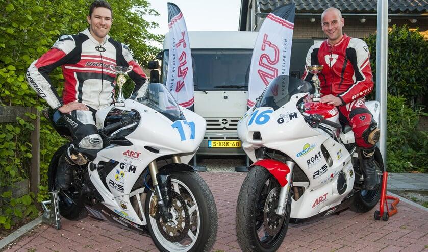 • Robin van der Burg en Eric Looren de Jong vormen het Ammers Racing Team. (foto: wijntjesfotografie.nl)