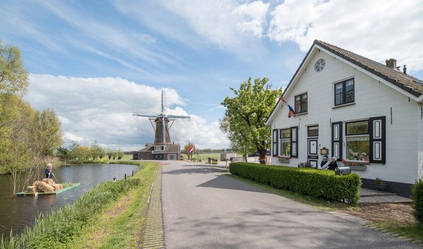 Dorpsgezicht Oud-Alblas, woonboerderij met korenmolen de Hoop. Foto: Joost Verweij