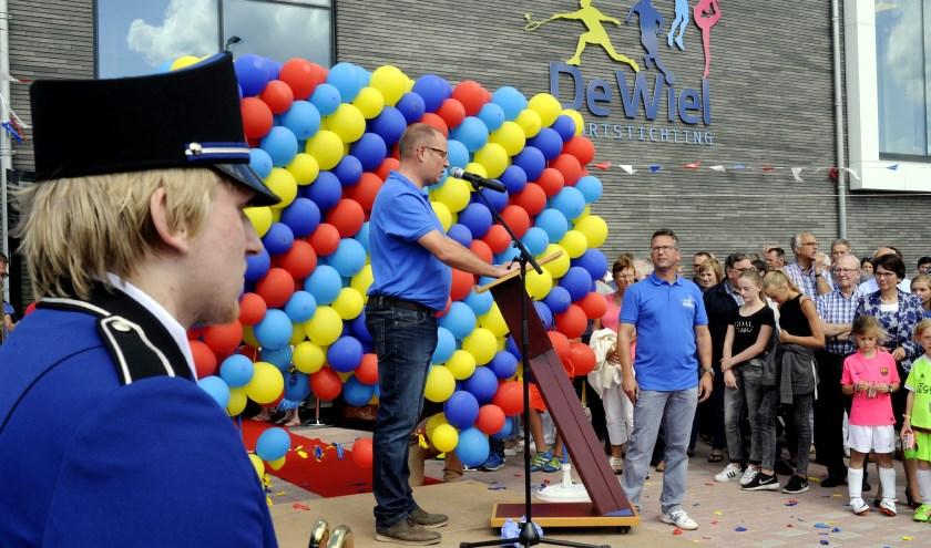 • De opening van sporthal De Wiel was een belangrijk moment in de WHV-geschiedenis.