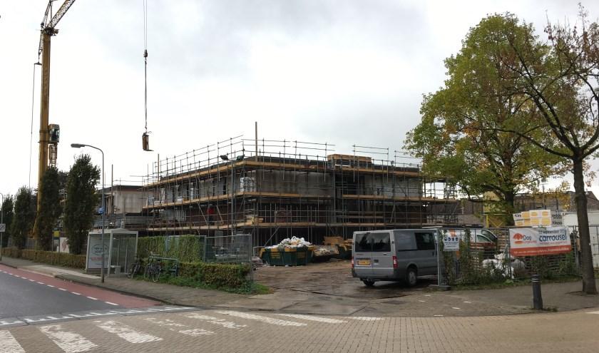• De bouw van de nieuwe brede school in Asperen is in volle gang.