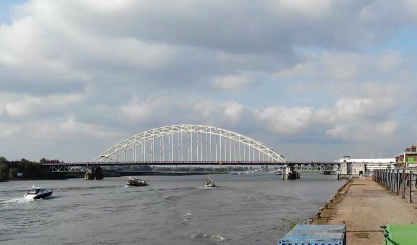 <p>&bull; De brug over De Noord.</p>