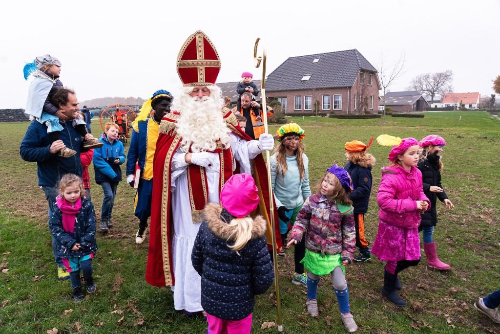 Sinterklaas in Everdingen geland Foto: Nico van Ganzewinkel © Vianen