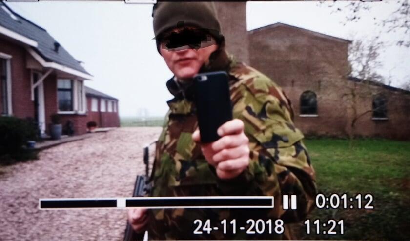 • De bewuste foto met daarop jager Coen Wouda die Saskia van Rooy op verschillende social media heeft geplaatst.